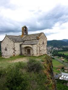 Chapelle Sainte-Madeleine et Massiac en arrière plan